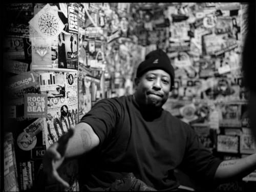 DJ Premier sample (aussi) AdrianYounge