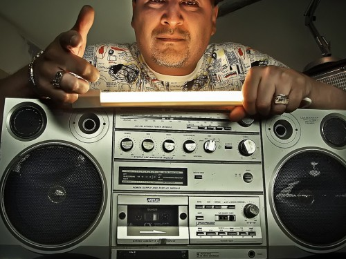 DJ Poska s'empare des platines àParis