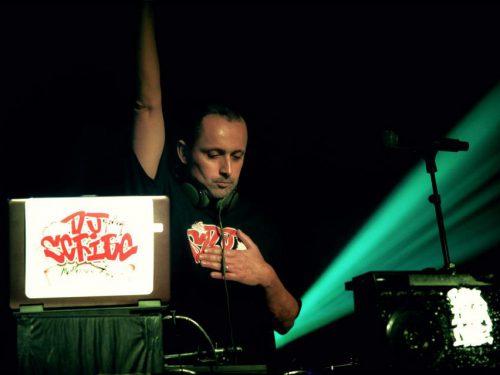 DJ Scribe de retour auxaffaires