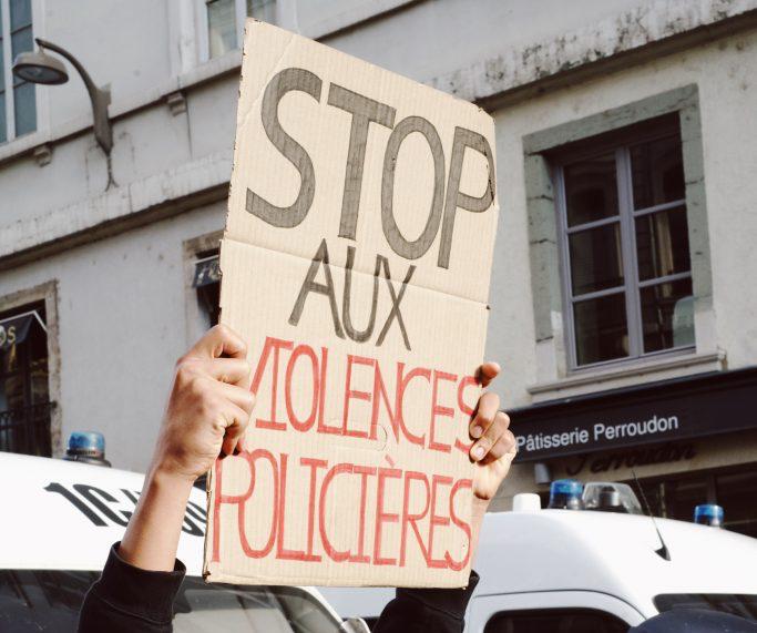 Violences policières: la parole au rapfrançais